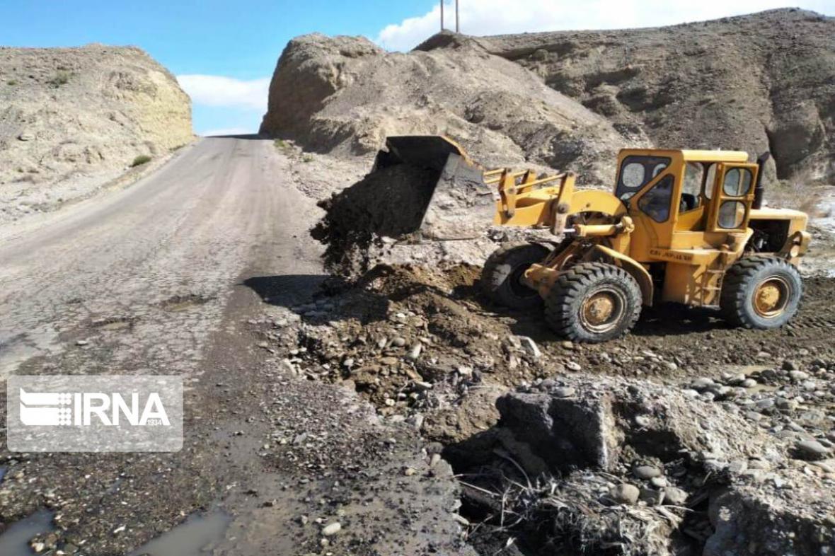 خبرنگاران راه دسترسی 246 روستای سیل زده لرستان بازگشایی شد